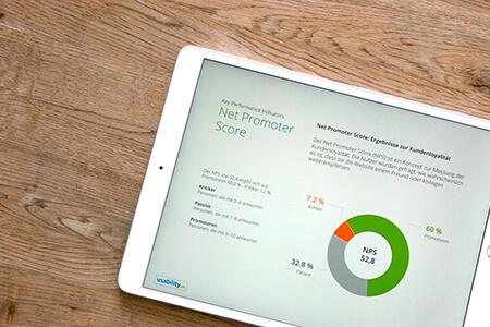 Tabletscreen zeigt den Net Promoter Score